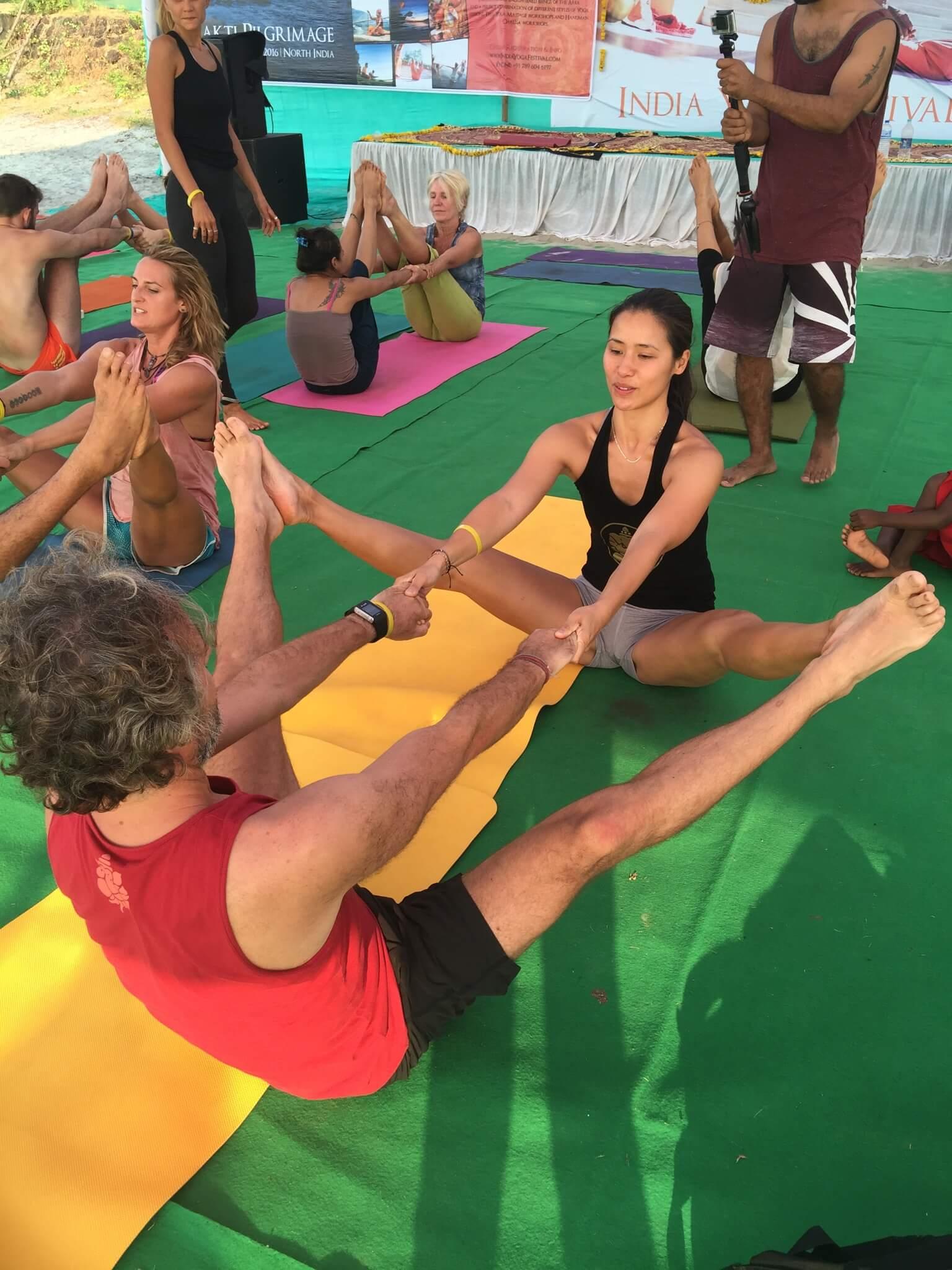 El Arte de Yoga en Pareja | Wari Om Yoga Photography