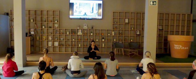 Masterclass de presentación de los videos Mi Diario de Yoga en Terra Veritas