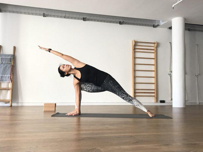 Xuan Lan Vinyasa Hara Yoga