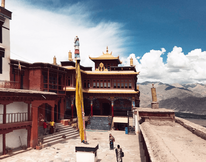 xuanlanyoga_budismo_monasterio