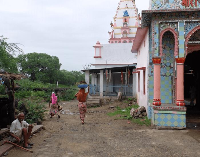 xuanlanyoga_hinduismo_campo