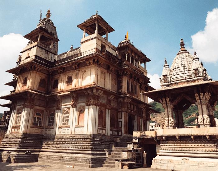 xuanlanyoga_hinduismo_templo