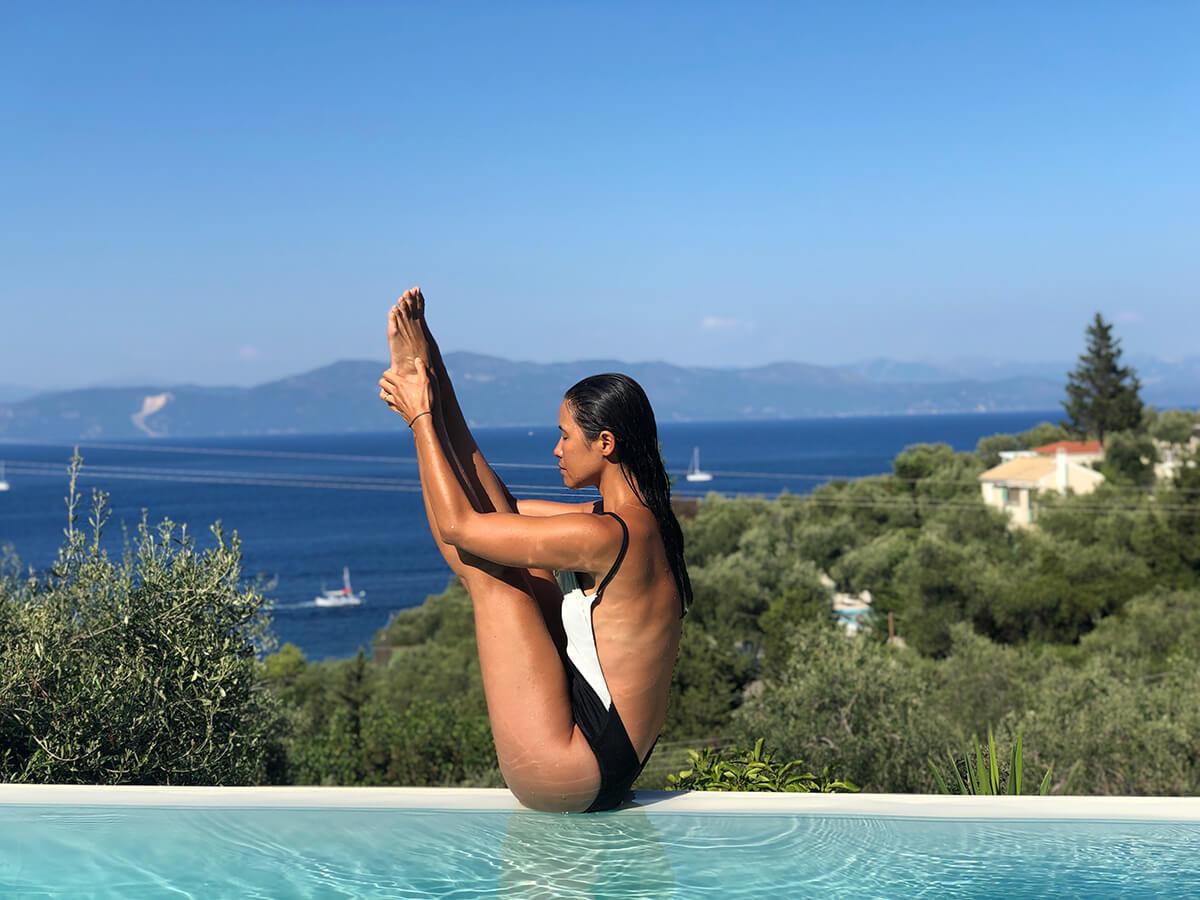rutina de yoga para vacaciones