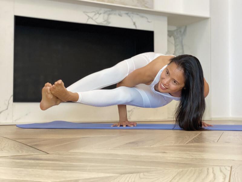 rutina de yoga en casa