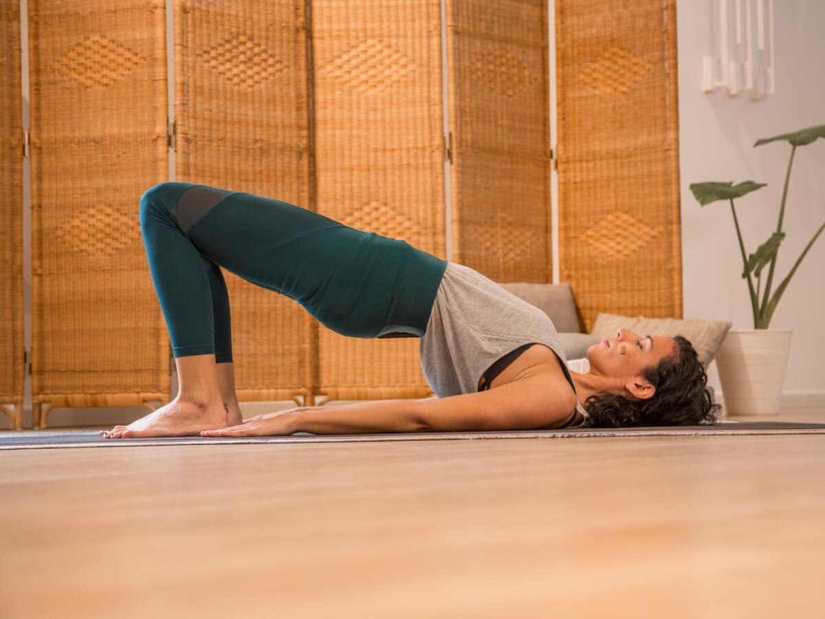 yoga-para la-mujer-suelo-pelvico