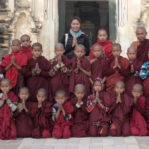 Novicios monjes budistas en Myanmar