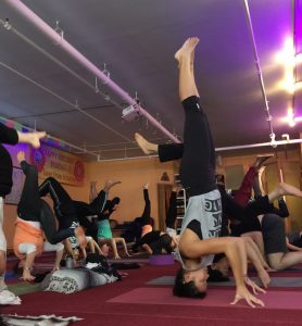 espiritualidad posturas de yoga