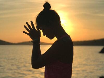significado om yoga